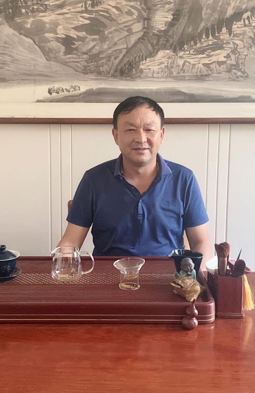 访天水恒峰实业有限公司董事长赵永成